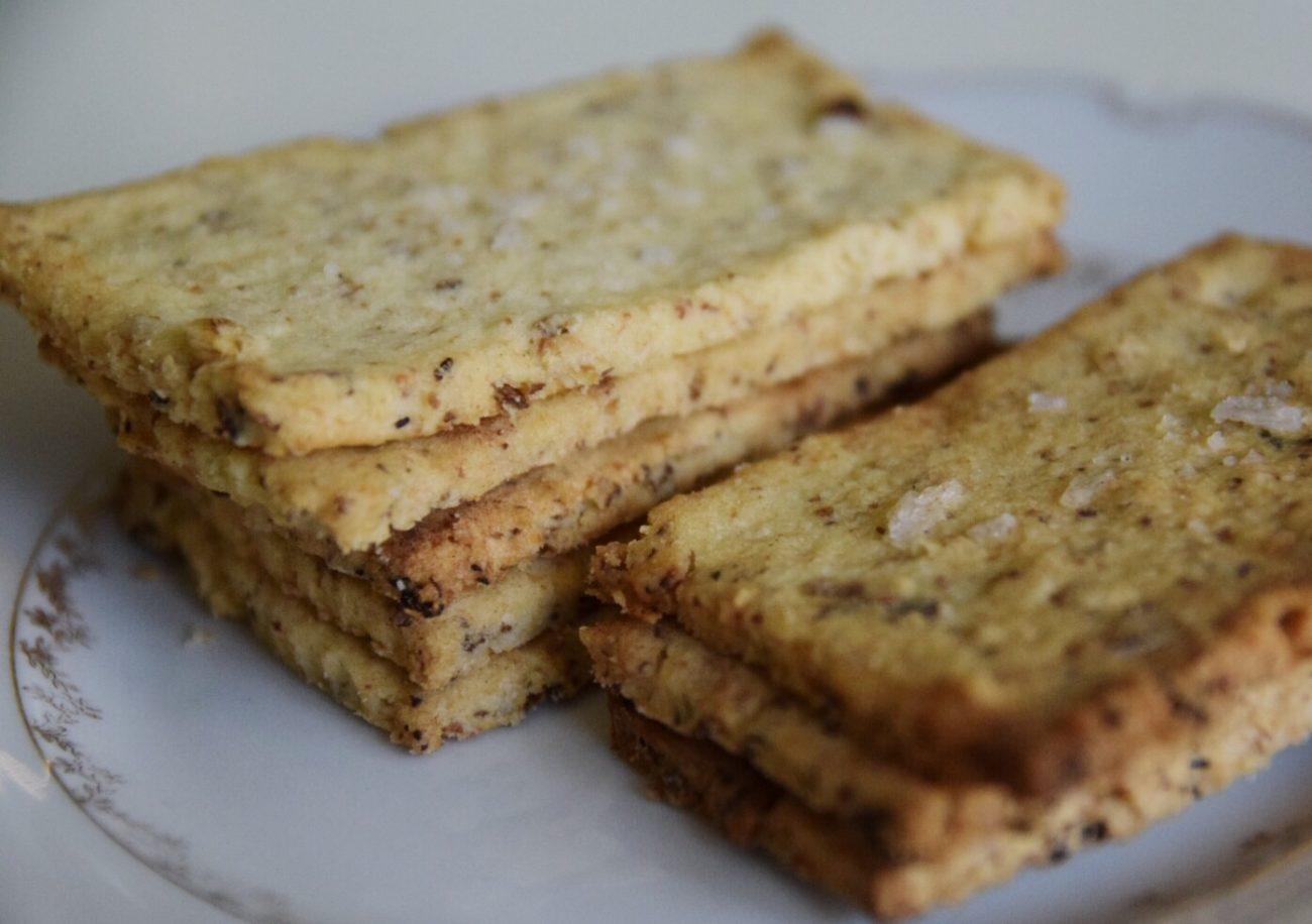 Glutenfria ostkex med rosmarin
