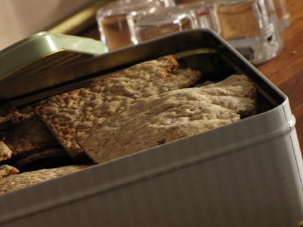 Grovt glutenfritt knäckebröd