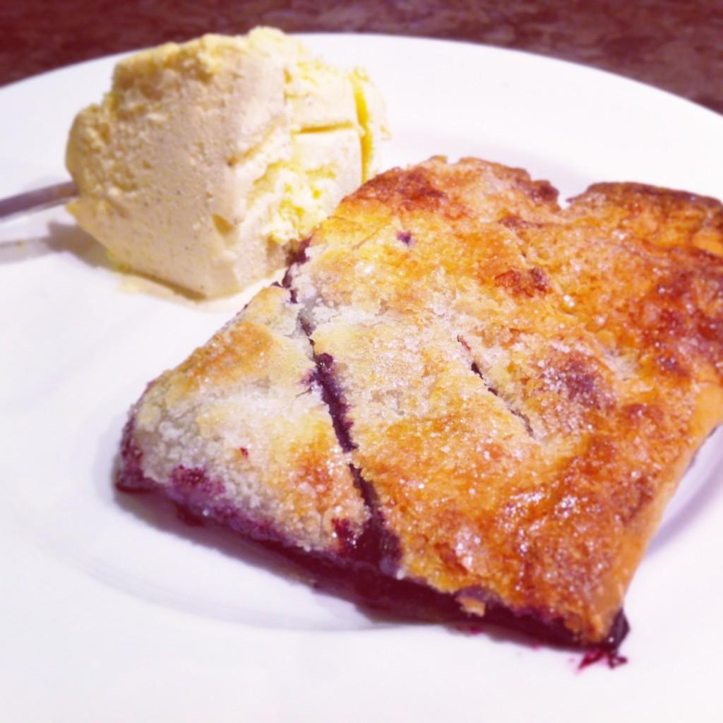 Glutenfri blåbärspaj med smördeg