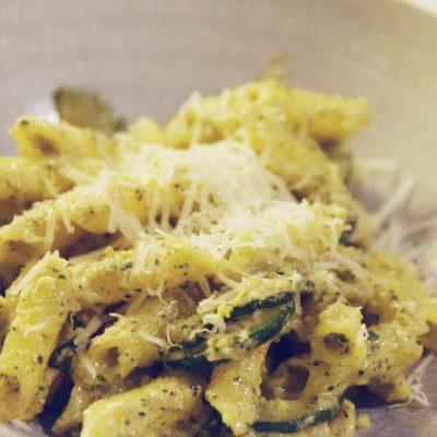 Valnötspesto med zucchini